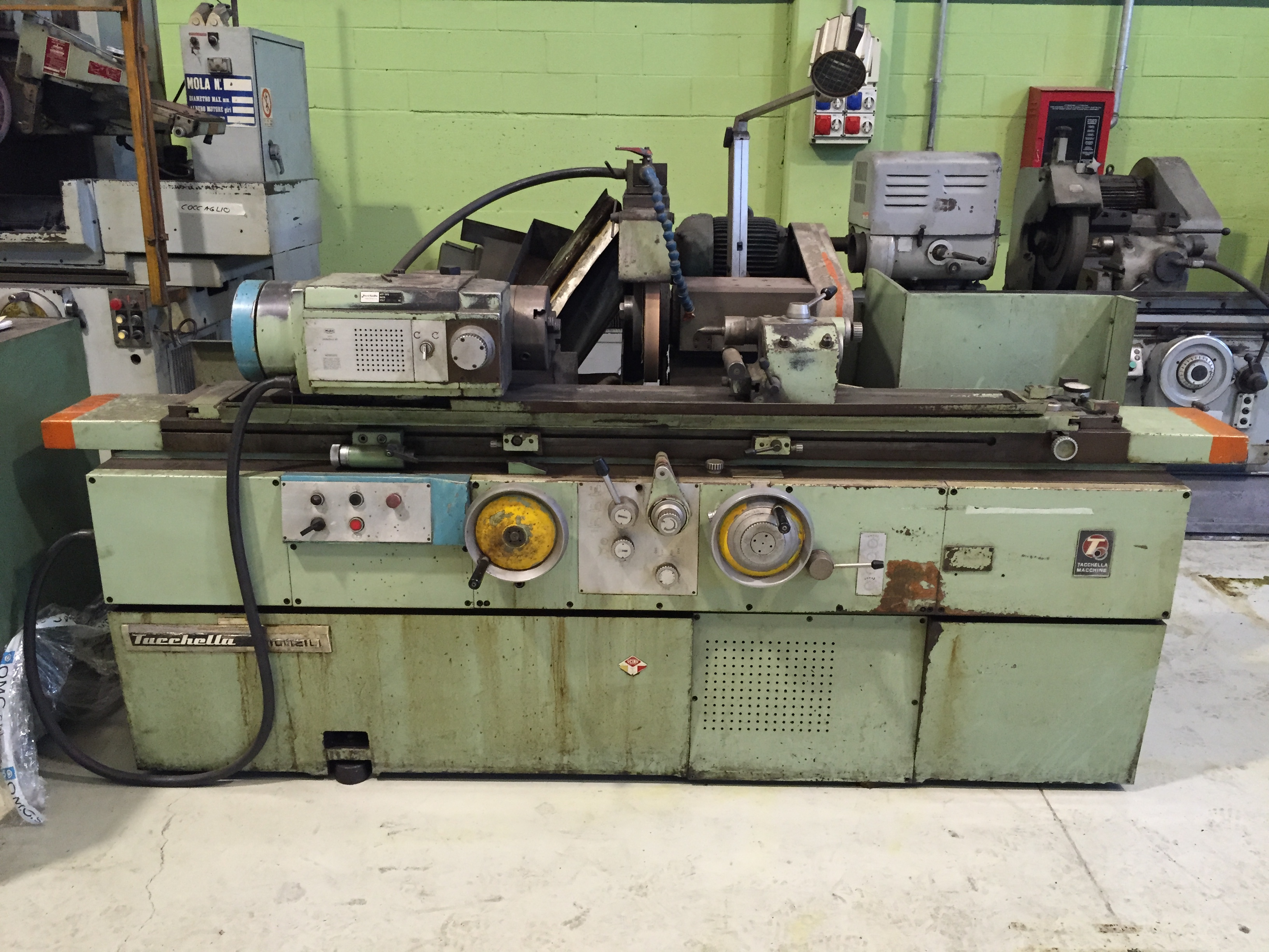 dealer Grinding Machine TACCHELLA 1013U used