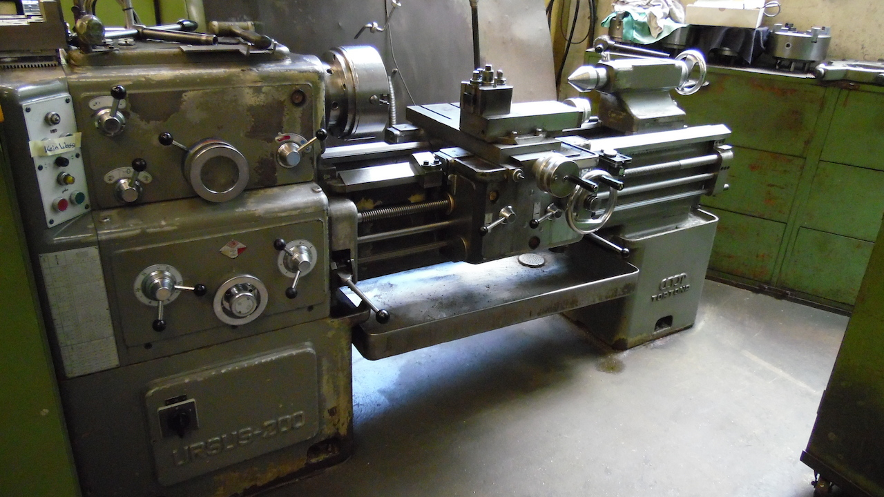 dealer Turning Machine CMT URSUS 200 used